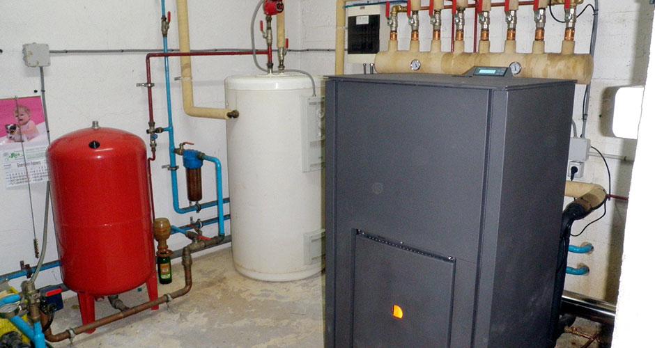 Instalaciones de le a instalaci ns de fontaner a e - Caldera de pellets y lena ...